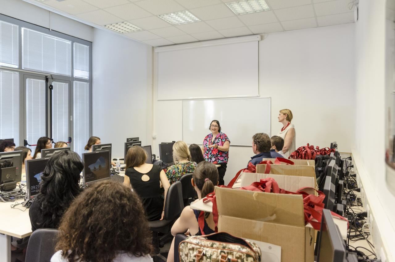 Silvia Bernardini, Director of the Department of Interpreting and Translation, and Mariachiara Russo, director of Summer School, welcome students